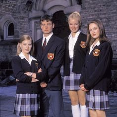 Cruel Intentions 2 cast with Amy Adams on the left School Uniform Outfits, Cute School Uniforms, Band Uniforms, Girls Uniforms, Preppy Outfits, Preppy Style, Gilmore Girls Fashion, Metallic Mini Dresses, Cruel Intentions
