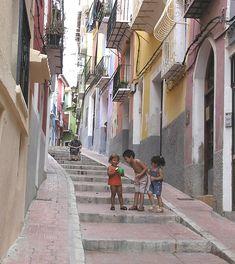Te invitamos a descubrir más rincones de Villajoyosa en  http://benidormers.blogspot.com.es/2014/02/villajoyosa-historia-y-mar.html  https://www.facebook.com/EnjoyingAlicante