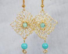 Pendientes de perlas de oro. Punto de alambre hecha a por ByDrora
