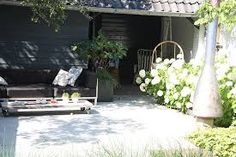 Afbeeldingsresultaat voor buitenzin tuin met vijver