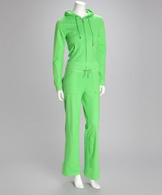 This would be great lounge wear!! Love the green!