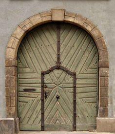 375-year old castle door & Samantha Rodriguez (samr43) on Pinterest pezcame.com
