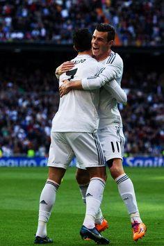Cristiano Ronaldo kiffe Gareth Bale - http://www.actusports.fr/76508/cristiano-ronaldo-kiffe-gareth-bale/