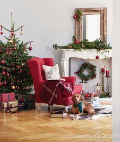 Červená farba patrí jednoducho Christmas Design, Christmas Tree, Christmas Decorations, Holiday Decor, Inspiration, Cosy, Home Decor, Ideas, Teal Christmas Tree