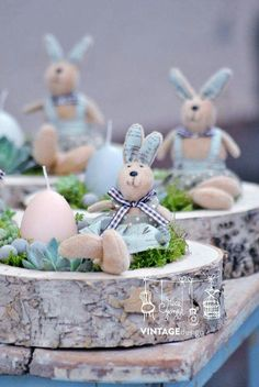 Bunnies and Easter. These are so cute and perfect for Easter Brunch tablescape. - Bunnies and Easter. These are so cute and perfect for Easter Brunch tablescape. Easter Peeps, Easter Brunch, Happy Easter, Ostern Party, Easter Season, Deco Floral, Easter Table, Egg Decorating, Easter Wreaths