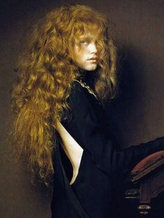 Vlada Roslyakova by Pierluigi Maco for Vogue China January 2007 I feel like my hair looks all crazy like this lately. Editorial Photography, Fashion Photography, Glamour Photography, Lifestyle Photography, Vlada Roslyakova, Vogue Magazine, Look At You, Portrait Photo, Our Lady