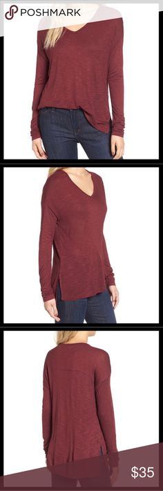Madewell Anthem Long Sleeve V-Neck NWT Madewell Anthem long sleeve v-neck in Rusted Burgundy. Split vents for a tuck friendly and drapey fit. Madewell Tops Tees - Long Sleeve