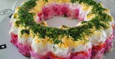 Christmas Salad like a pudding Greek Cooking, Fun Cooking, Cyprus Food, Salad Cake, Cold Dishes, Russian Recipes, Kinds Of Salad, Food Crafts, Food Humor