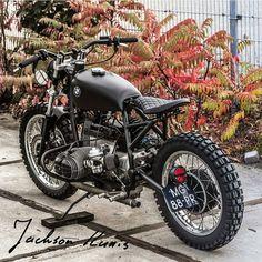 "Gefällt 2,625 Mal, 53 Kommentare - Cafe Racers & Vintage Bikes (@kaferacers) auf Instagram: ""Love this all black BMW cafe racer   FOLLOW @storefrontcollective for more  @arjanvandenboom -…"""