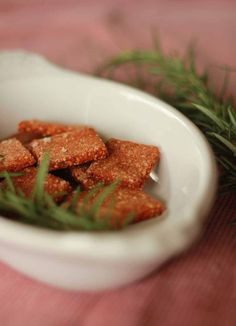 Gluten free pizza crackers for your snacking pleasure.