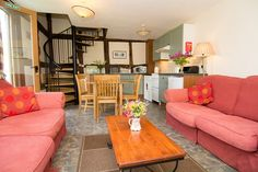 Luntley Court Farm Holiday Cottages, Pembridge, Leominster, Herefordshire, UK, England. Self Catering. Holiday. Travel. Accommodation. #AroundAboutBritain.