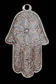 Morocco | Silver pendant. (Hand of Fatima ~ Khamsa/Hamesh) | African Museum (Belgium) Collection; acquired 1980