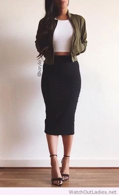 60 Winter Date Outfits Casual Ideas Naturally youre want to seem good but you will also need to truly feel comfortable to guarantee you like the date. Think hard about the venue durin. Fall Night Outfit, Date Night Outfits, Date Night Clothes, Cute Date Outfits, Date Night Fashion, Vegas Outfits, Prom Outfits, Evening Outfits, Look Fashion