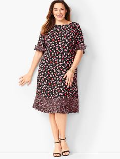Shop Talbots for modern classic women's styles. You'll be a standout in our Floral Jewel-Neck Shift Dress - only at Talbots! Classic Style Women, Classic Looks, Short Long Dresses, Short Sleeve Dresses, Plus Size Petite Dresses, Dress Outfits, Casual Dresses, Classy Work Outfits, Plus Size Winter