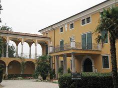 Palais Coronini-Cronberg Source:Marie-Thérèse de France (1778-1851) — Wikipédia