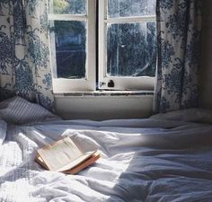 When it comes to making your bedroom a cozy oasis, it doesn't need to cost a fortune to add major comfort. We've rounded up 28 tips for creating the cozy bedroom of your dreams. Cozy Bedroom, Bedroom Decor, Bedroom Ideas, Home Decoracion, Interior And Exterior, Interior Design, Windows, My New Room, Ravenclaw