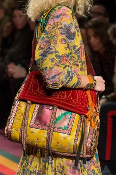 Etro, Fall 2017 - Milan& Fall Runway Purses Are Too Pretty Not to Pin - Photos Look Fashion, Fashion Bags, Autumn Fashion, Milan Fashion, Hippie Chic, Hippie Style, My Style, My Bags, Purses And Bags