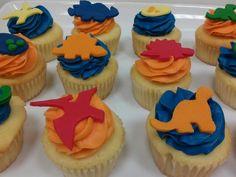 Dinosaur cupcakes.