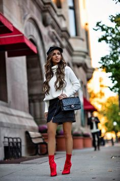 Outfit with black Coco Chanel's bags Red Heels Outfit, Booties Outfit, Heels Outfits, Skirt Outfits, Casual Outfits, Cute Outfits, Red Booties, Moda Fashion, Fashion 2017