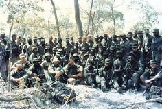 A large group of South African Special Forces operators just before leaving their Tactical Headquarters to move out and carry out a night attack on a conventional brigade of Soviet-led forces in southern Angola, Australian Special Forces, Colonial, Airborne Ranger, The Great Migration, Army Day, Military Special Forces, Vietnam War Photos, Boat Design, Military History