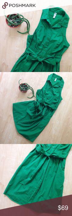 "Anthro | maeve Green Poplin Collared Dress Green cotton poplin dress. Side zipper. Waist-tie. Lined. Pockets!!! Approximately 30"" bust, 37"" long. Anthropologie Dresses Mini"