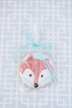 #cookies, #baby-shower, #animals, #fox Photography: Marcie Lynn Photography - marcielynnphotography.com/ Read More: http://www.stylemepretty.com/living/2014/03/28/fox-themed-baby-shower/