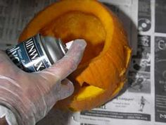 Tips for preserving Jack O' Lanterns -- Which way is the best way to preserve your jack-o-lantern and keep it fresh the longest? check out this site that tries 5 different popular methods and the stunning conclusion on which one works the best! Halloween Jack, Holidays Halloween, Halloween Pumpkins, Halloween Crafts, Holiday Crafts, Holiday Fun, Happy Halloween, Halloween Decorations, Halloween Party