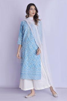 Casual Indian Fashion, Indian Fashion Dresses, Indian Designer Outfits, Designer Dresses, Indian Outfits, Pakistani Dresses Online, Pakistani Outfits, Indian Clothes, Ethnic Fashion