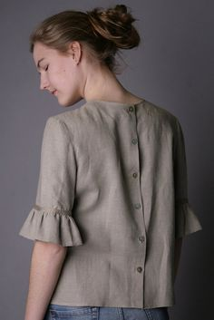 Linen Blouse Fashionable/ Flax Blouse With Frill Sleeves/ Linen Blouse Elegant/ Linen Blouse Sleeves/ Linen Top With Back Fastening Kurta Designs, Blouse Designs, Diy Chemise, Western Tops, Mode Vintage, Short Tops, Sleeve Designs, Refashion, Fashion Outfits