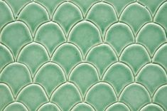 Art Deco-style ceramic tiles have been influenced by Moroccan and Japanese tiles. Art Deco Tiles, Wall Tiles, Fish Scale Tile, Green Kitchen, Kitchen Tiles, Art Deco Fashion, Osaka, Art Nouveau, Ceramics