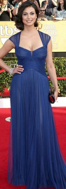 Who made Morena Baccarin's blue gown, jewelry, and shoes that she wore in Los Angeles on January 18, 2013?