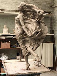 Com hand art, wood sculpture, art sculptures, amazing art, f Renaissance Kunst, Sculpture Clay, Abstract Sculpture, Stone Sculpture, Sculpture Projects, Sculpture Ideas, Angel Sculpture, Metal Sculptures, Baroque Sculpture
