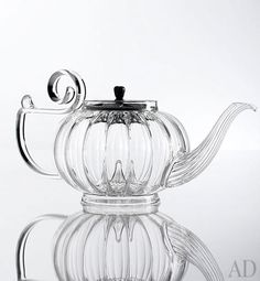 The My Beautiful glass teapot by Mariage Frères has a cast-iron lid available in four colors, including silver