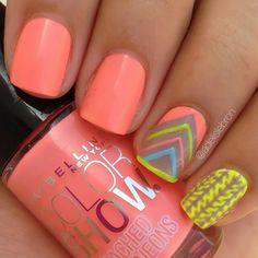 Peach Aztec summer nailart #nailart #nails #summer #peach #aztec