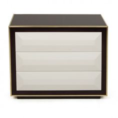 BLACK AND WHITE NIGHTSTAND WITH GOLDEN DETAILS | Black and white nightstands are always a great choice for elegant bedrooms and timeless home décors | www.bocadolobo.com #bedroomdecor #nightstandsideas