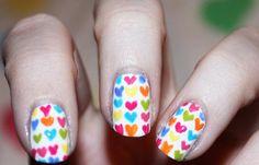 Diseños de uñas pinceladas manos y pies, diseño de uñas pinceladas corazones. Clic Follow,  #uñas #nails #uñasdeboda