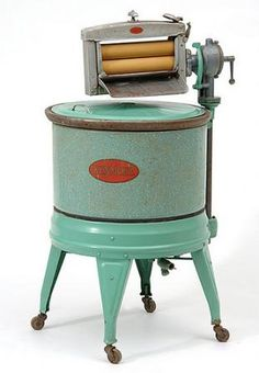 """My mother sang hymns to the beat of the """"wringer"""" washer. The little Brown Church in the Wildwood"""" 1925 Kenmore Washing Machine Vintage Laundry, Vintage Kitchen, Old Washing Machine, Washing Machines, Hand Washing, Objets Antiques, Vintage Appliances, Clothes Line, Washing Clothes"""