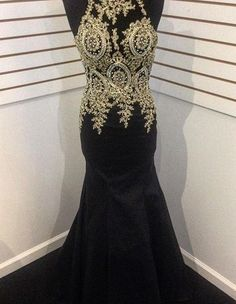 Black Round Neck Appliques Mermaid Satin Prom Dresses 2017