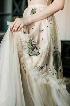 Beautiful Gowns, Beautiful Outfits, Pretty Outfits, Pretty Dresses, Nude Gown, Mode Style, The Dress, Bridal Dresses, Runway Fashion