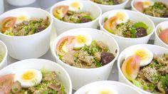 モデル飯 第3弾!「昆布茶ご飯と鶏肉の塩麹漬け焼き、たっぷりの梅肉を添えて。味噌玉も付くよ♬」と言う名のモデル飯です(^^)/