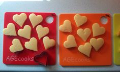 Agecooks baby chef: washable plexi cutting board with heart shaped polenta recipe for children