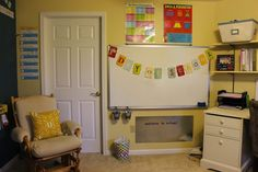 The Homeschool Belle: Our New School Room & A Freebie!