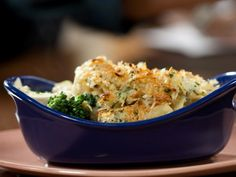 Chicken Divan Egg Noodle Casserole recipe from Rachael Ray via Food Network Egg Noodle Casserole, Chicken Divan Casserole, Chicken Divan Recipe, Casserole Dishes, Chicken Recipes, Turkey Recipes, Turkey Meals, Chicken Meals, Broccoli Recipes