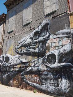 Street art/Graffiti in Brooklyn Murals Street Art, 3d Street Art, Street Art Graffiti, Street Artists, Art Intervention, Brick Art, Like Image, Banksy, Urban Art