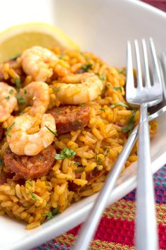 Put a healthy twist on #Mexican food with this Shrimp and Chorizo Rice!