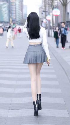 Women With Beautiful Legs, Beautiful Women Videos, Beautiful Young Lady, Pretty Korean Girls, Sexy Asian Girls, Beautiful Asian Girls, Dehati Girl Photo, Korean Girl Fashion, Swimwear Fashion