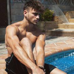 Follow Hunk'o'pedia for more hot guys!   Follow my... - Hunk'o'pedia