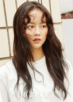 "After shooting a pictorial for High Cut magazine, actress Kim So Hyun sat down for an interview and talked about her ""Ruler: Master of the Mask"" co-star Yoo Seung Ho. ""Even though he's older than me, he seems like a peer,"" she shared. Child Actresses, Korean Actresses, Korean Actors, Korean Star, Korean Girl, Asian Girl, Korean Wave, Kim So Hyun Fashion, Yoo In Na"