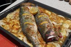 La receta que os traigo hoy es una receta de pescado deliciosa, y que a muchos os encantará! Lubina salvaje al horno. Ahora mismo tenemos siempre lubinas muy baratas en la pescadería pero so…