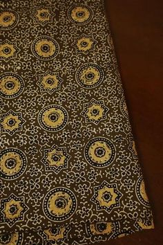 Buy Ajrak block printed fabrics online in a range of colours like red, green, pink, blue and yellow. Choose from a range of floral and new prints, block printed on fine cotton and mul cotton cloth. Print Fabrics, Prints, Cotton Silk Fabric, Colorful Wallpaper, Big Star, Fabric Online, Small Flowers, Leaf Design, Indian Dresses